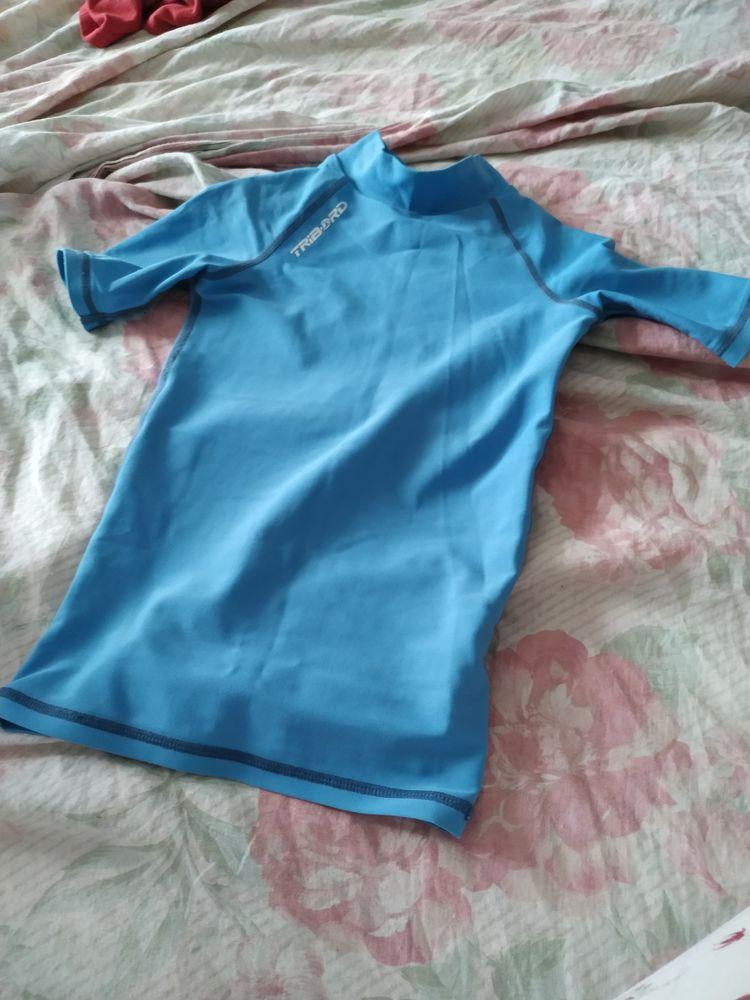 Shirt shorts taille 6 ans 15€ 15 Accolay (89)