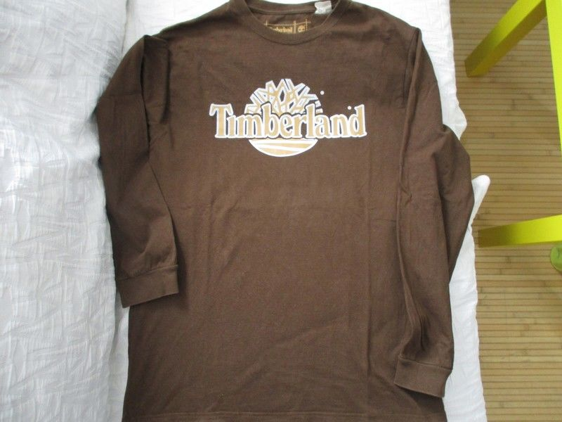 T SHIRT TIMBERLAND TAILLE L 20 Lognes (77)