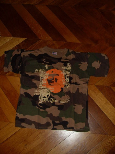 T shirt type militaire motif camouflage et Che Guevarra  2 Vertaizon (63)