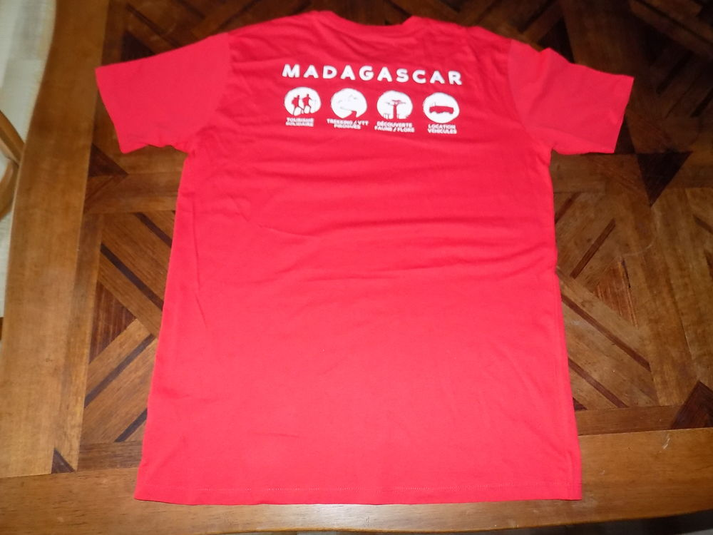 t-shirts rouge neuf toute taille : h /f . 2 Nevers (58)