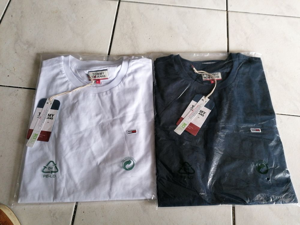 Tee shirts Tommy jeans neuf taille m et smol.  20 Villeurbanne (69)
