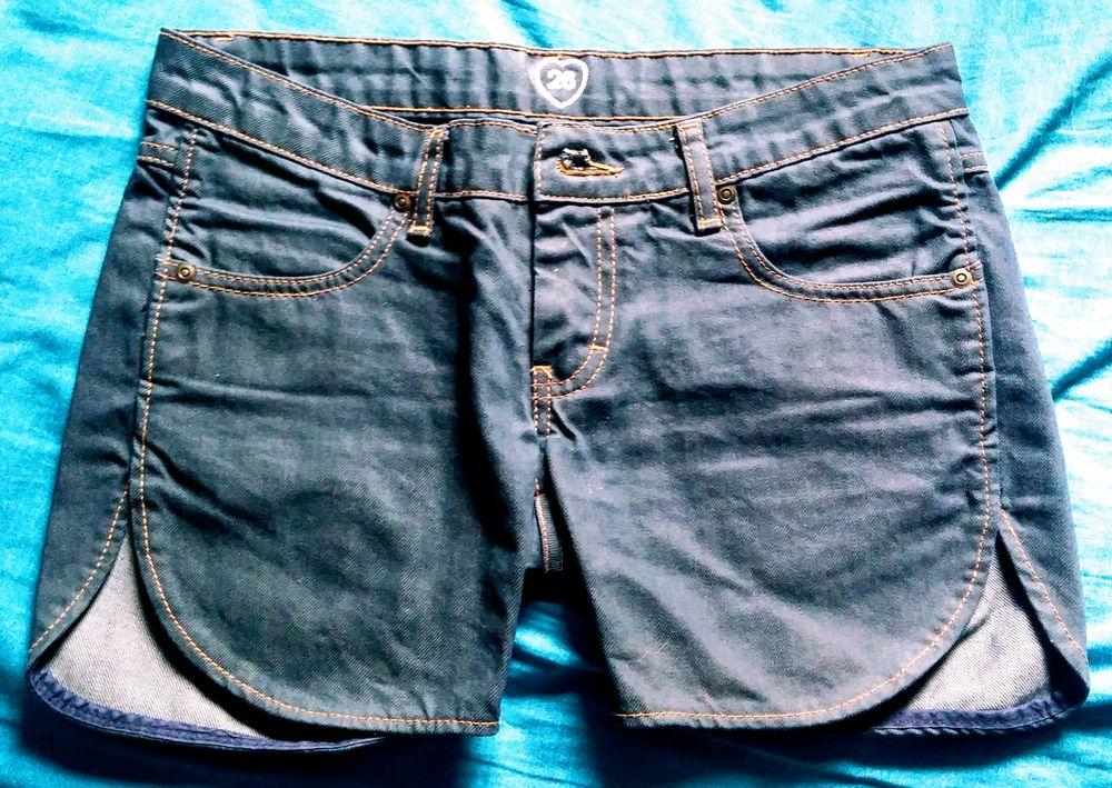 Short jean neuf de marque coupe original Vêtements