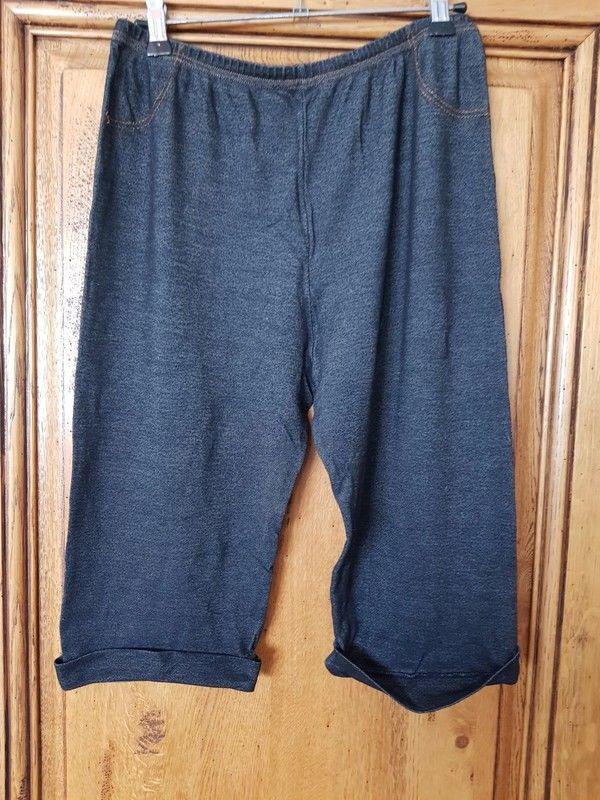 Short leggings noir impression jean tres bon etat une marque 5 Viriat (01)