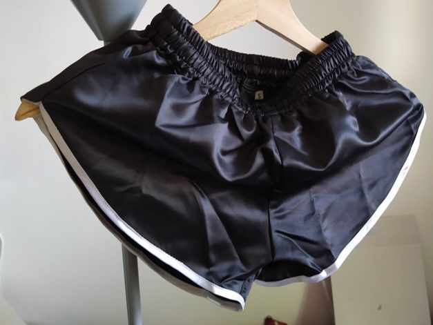 Short Nylon Satin Noir/blanc Vintage taille L 48 28 Lyon 3 (69)