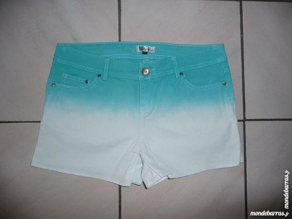 Short Tie & Dye Turquoise Taille 40 - NEUF 12 Montigny-le-Bretonneux (78)