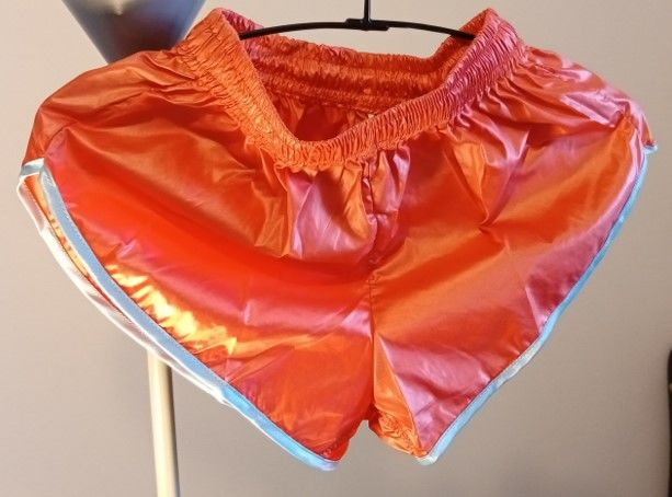 Short Vintage nylon satin jumbo Saumon/bleu ciel Taille S40 22 Lyon 3 (69)