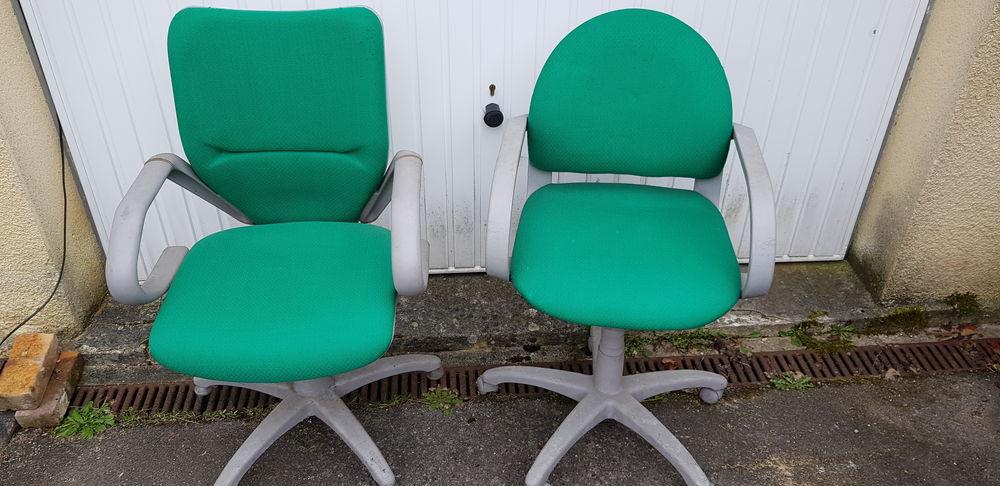 sièges de bureau de la marque Henri Lière 160 La Neuville-Chant-d'Oisel (76)