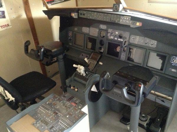 Achetez simulateur de vol occasion annonce vente agen 47 wb149121256 - Cockpit avion a vendre ...