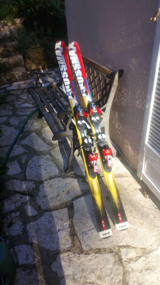 skis paraboliques 160 cm Sports