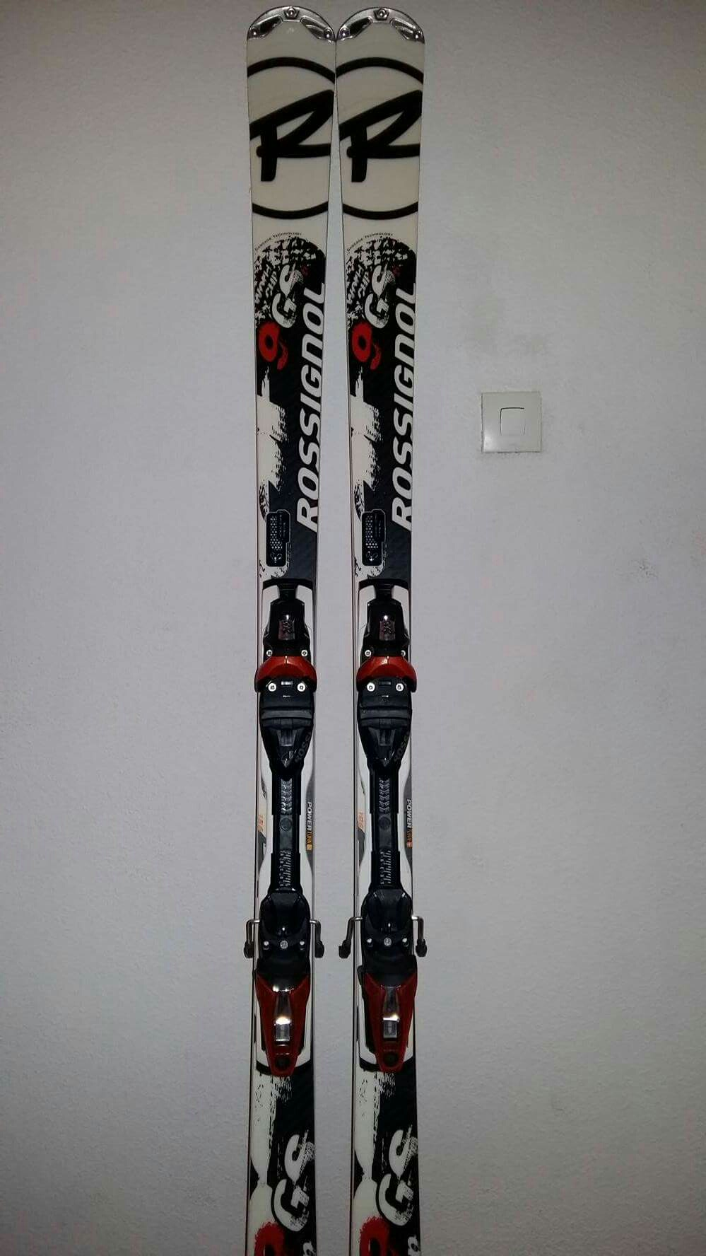 Skis Rossignol avec Chaussures Sports