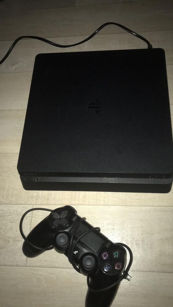 PS4 Slim 500GO + 1 manette + FIFA 21 Consoles et jeux vidéos