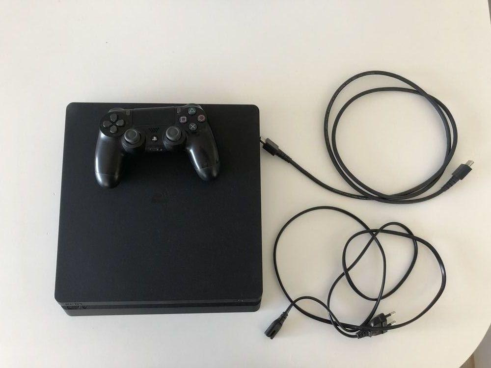 PS4 Slim 500Go 180 Chessy (77)