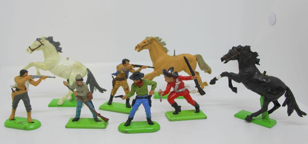 Soldats BRITAINS Western cowboys 35 Issy-les-Moulineaux (92)