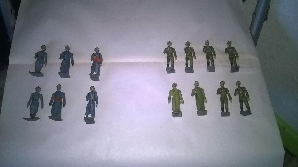 14 Soldats poilu en plomb Guerre 14-18 Excellent etat 6 S 30 Talange (57)