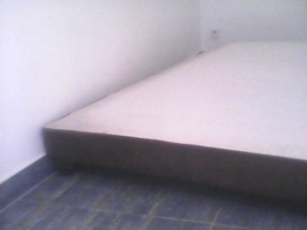 SOMMIER à lattes+pieds bois marron 160/200cm 60 Marseille 1 (13)