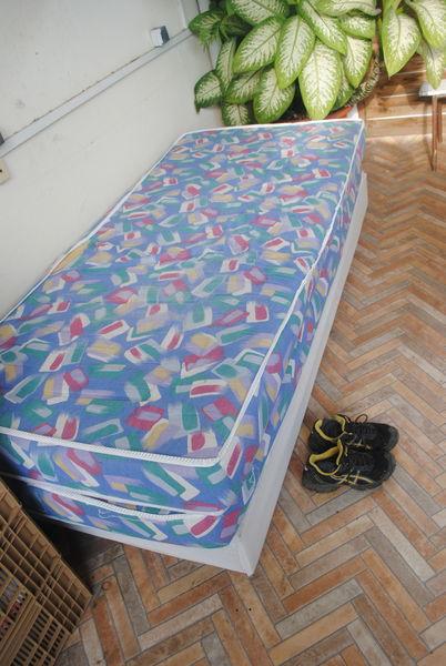 Sommier de lit + 2 matelas  70 La Réunion (97)