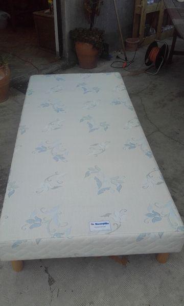 Sommier tapissier 90X180 avec pieds bois 35 Trets (13)