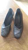 souliers femmes portés une fois trop petits pointure 37 0 Mérignies (59)