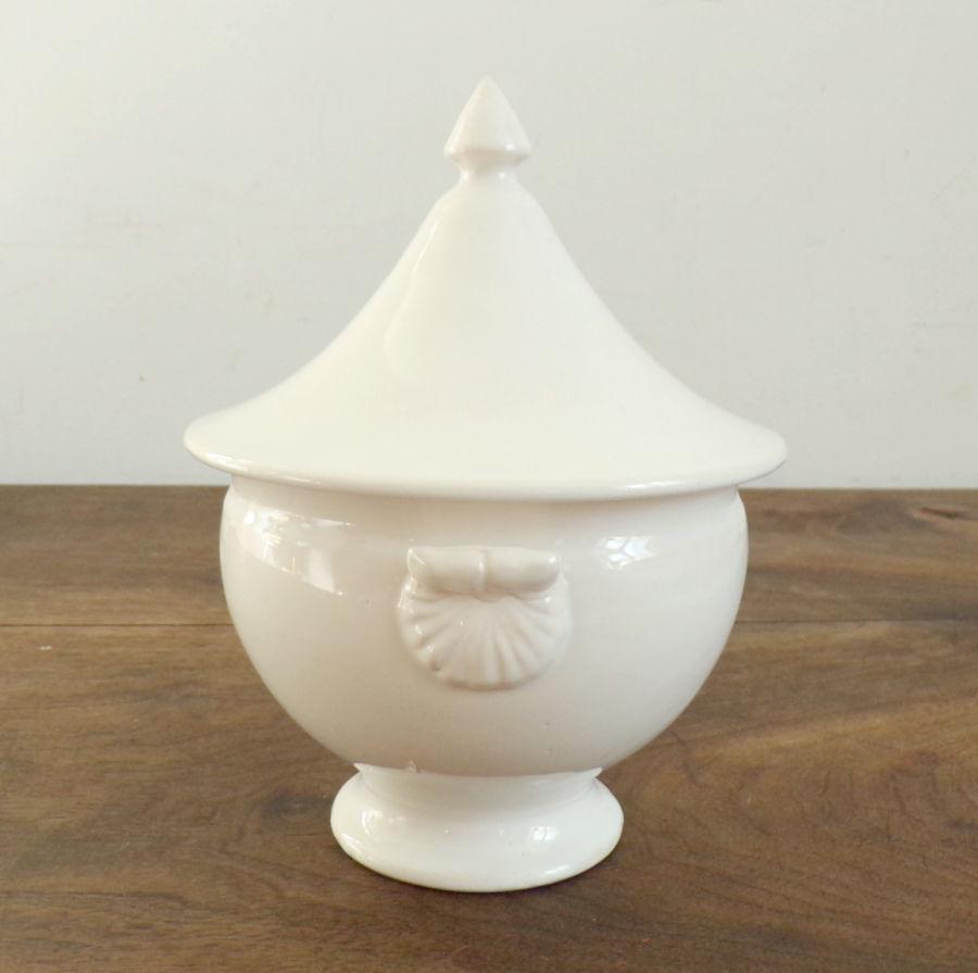 Soupière ou grand bol et son couvercle en porcelaine blanche 8 Livré (53)