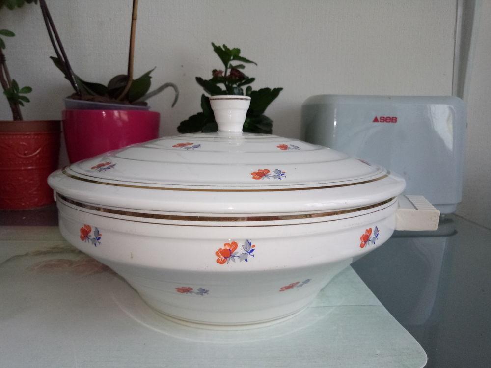 Soupière en porcelaine Babel de Saint Amand de 1950 25 Kervignac (56)