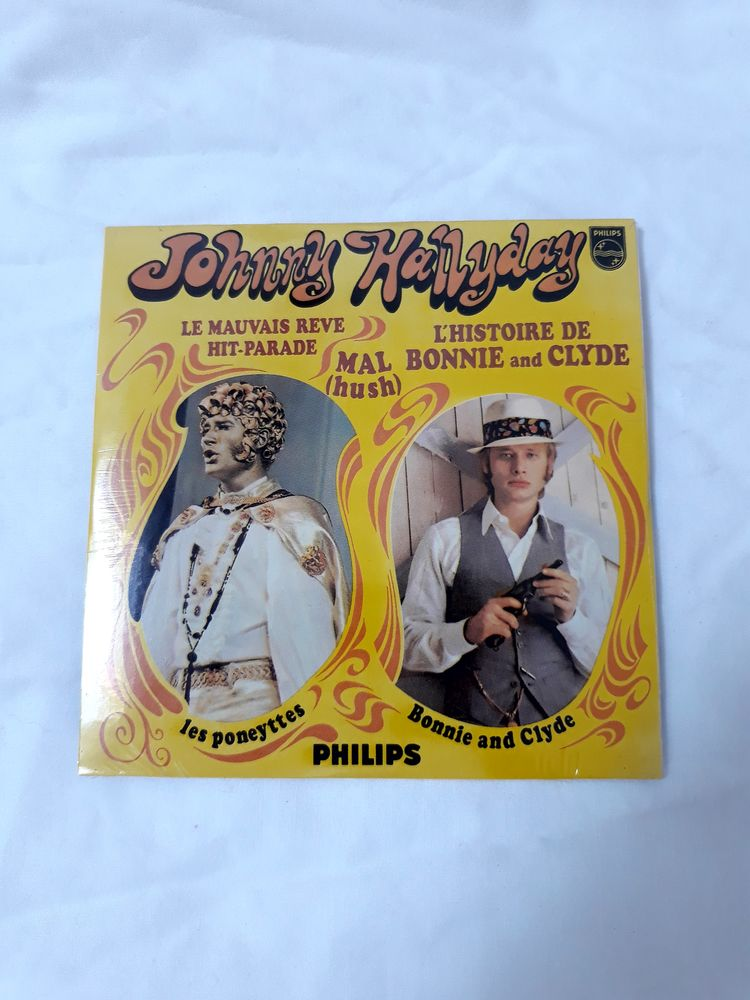 cd sous blister de Johnny hallyday  15 Perpignan (66)