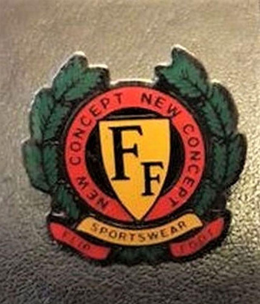Pin's FF sportswear neuf 4 La Seyne-sur-Mer (83)