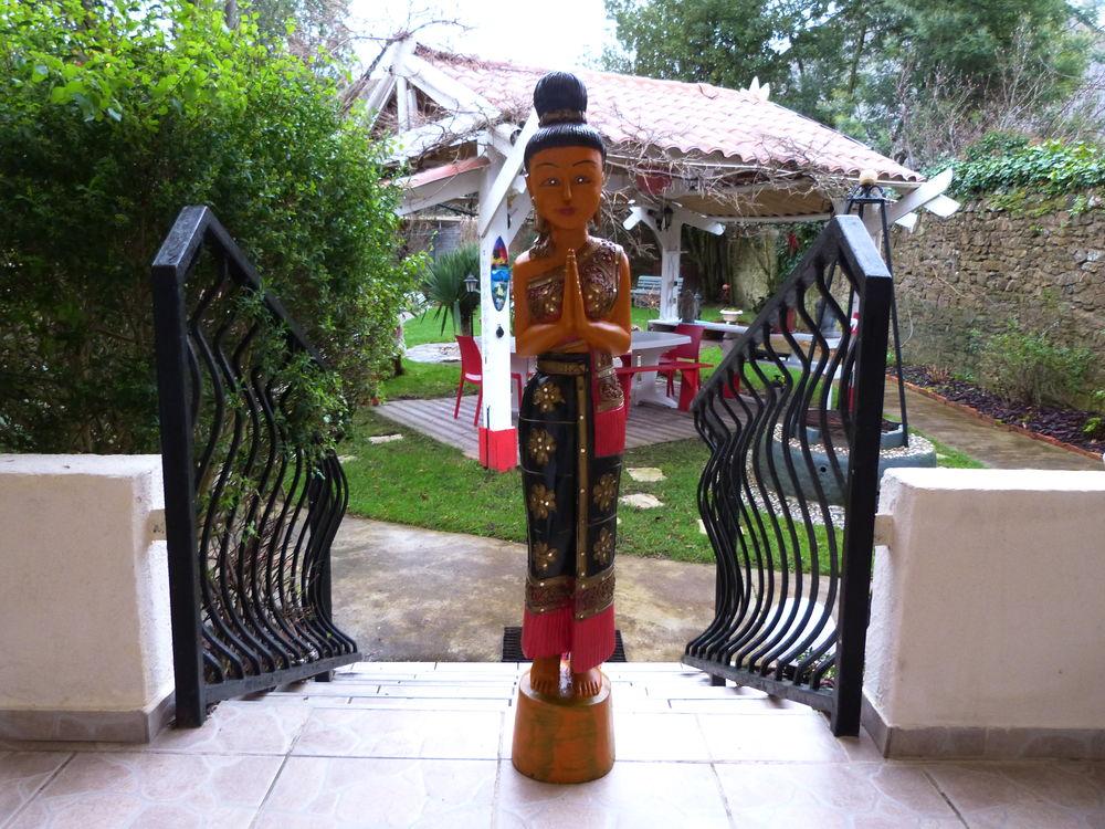 statue en bois peinte a la main artisanale h 105 300 Nantes (44)
