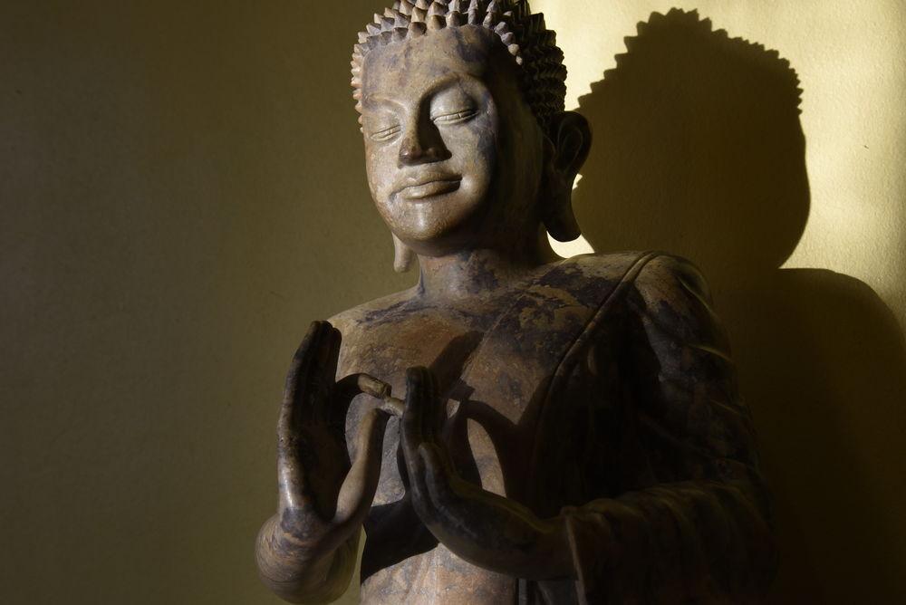statue bouddhique khmer  1450 Paris 13 (75)