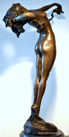 Statue Bronze DEESSE DU VIN 299 Paris 16 (75)
