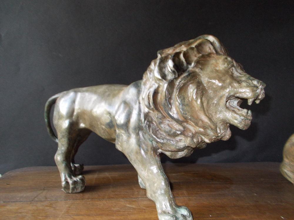 Statue  bronze  Lion 320 Drancy (93)