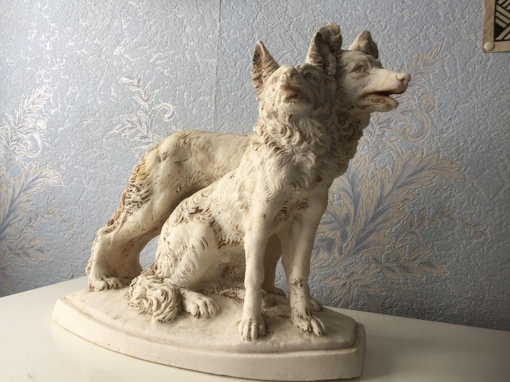 statue de 2 chiens  90 Le Bocasse (76)