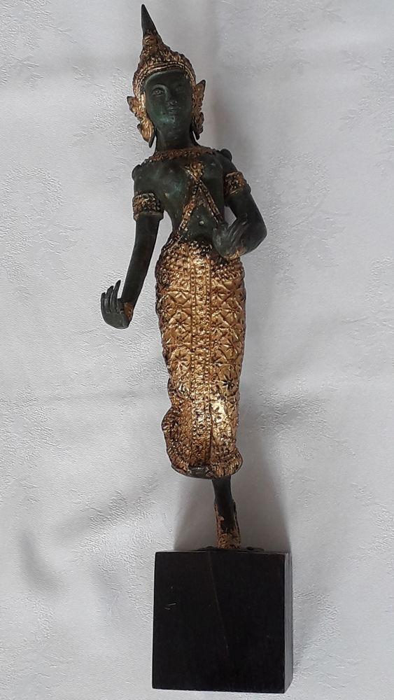 Statue danseuse thaïlandaise 190 Salon-de-Provence (13)