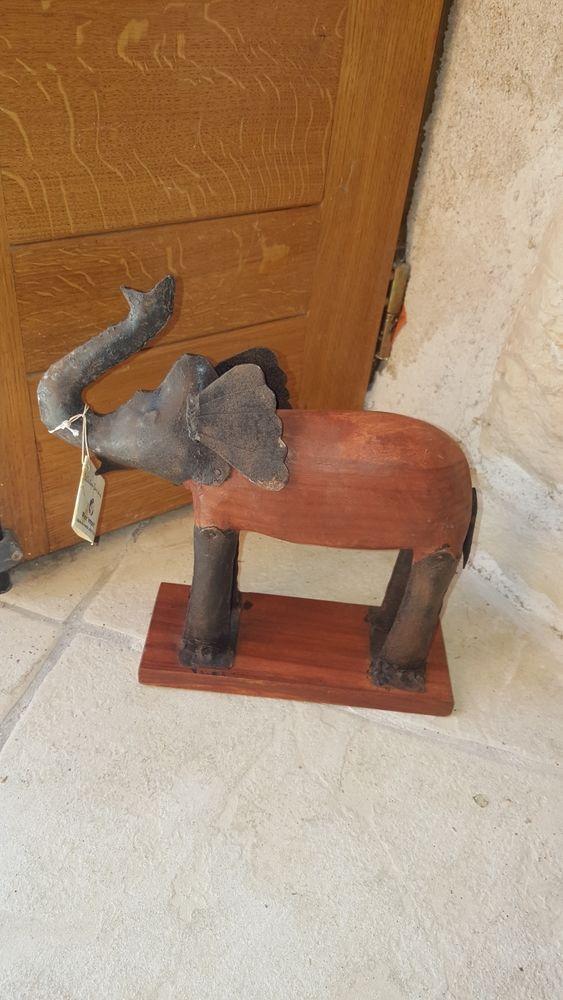statue éléphant bois et métal 29 Montluçon (03)