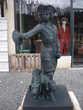 Statue en fonte, pierre