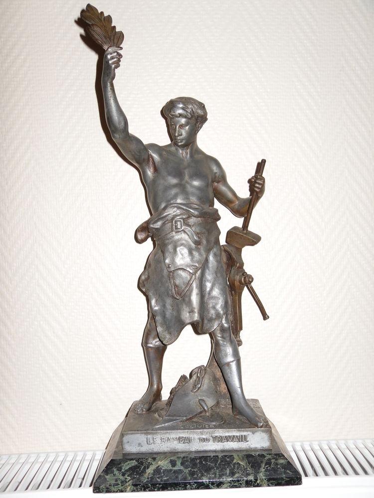 Statue Régule fin 19e Forgeron E.Picault 43cm 320 Neuville-de-Poitou (86)