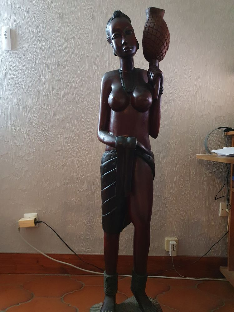 statues 0 Saint-Quentin-de-Baron (33)