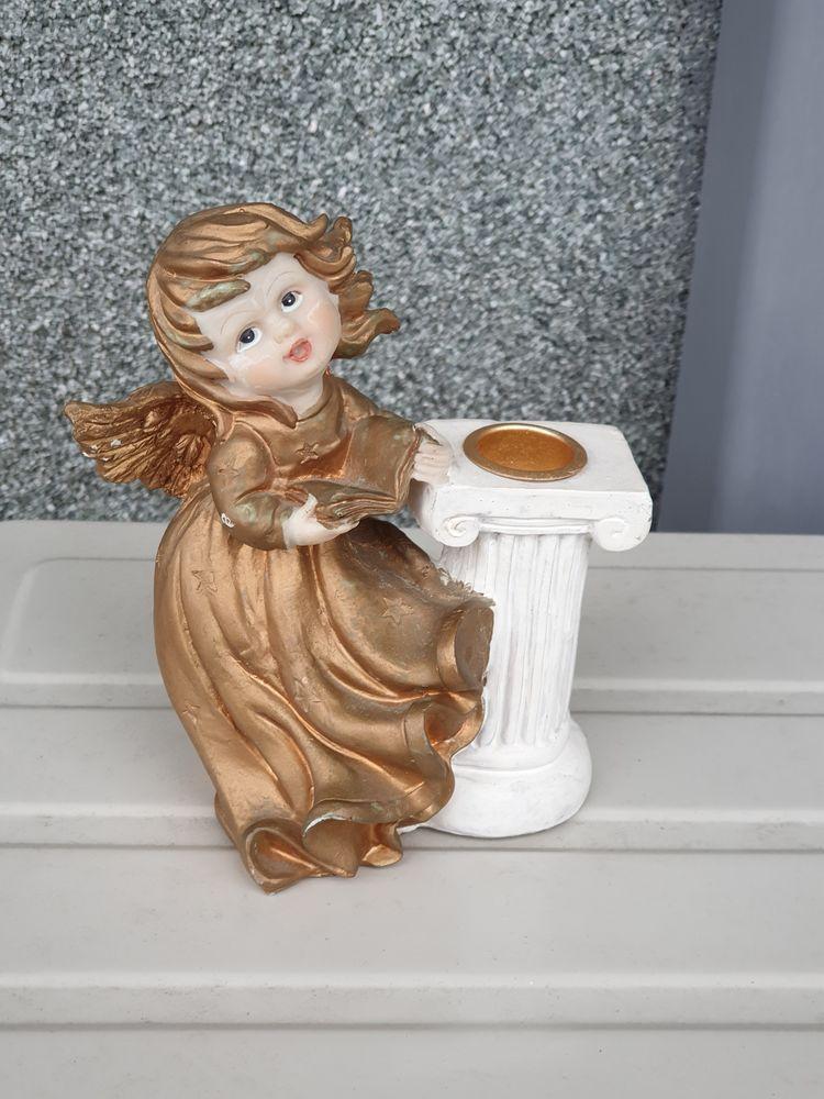 Statuette bougeoir d'ange de H 15 x L 14 cm x P 8 en cm Décoration