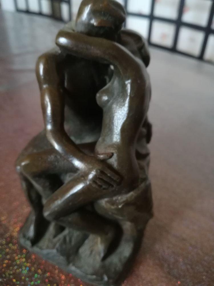 Statuette en bronze  Le Baiser de Rodin  30 Bordeaux (33)
