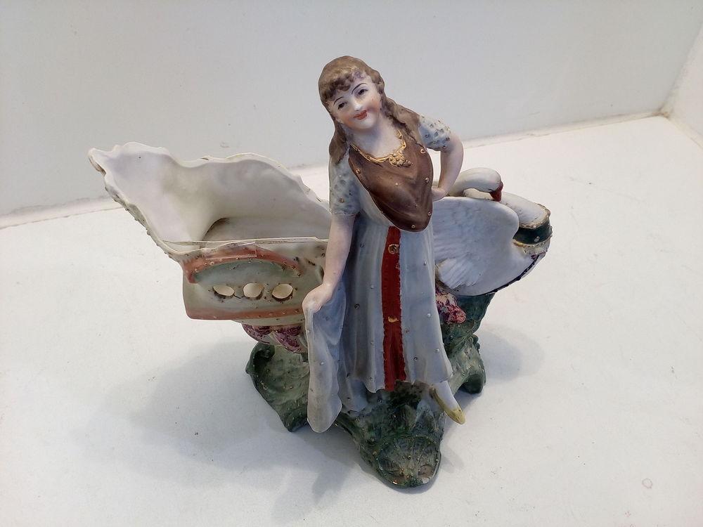 Statuette femme & cygne Décoration