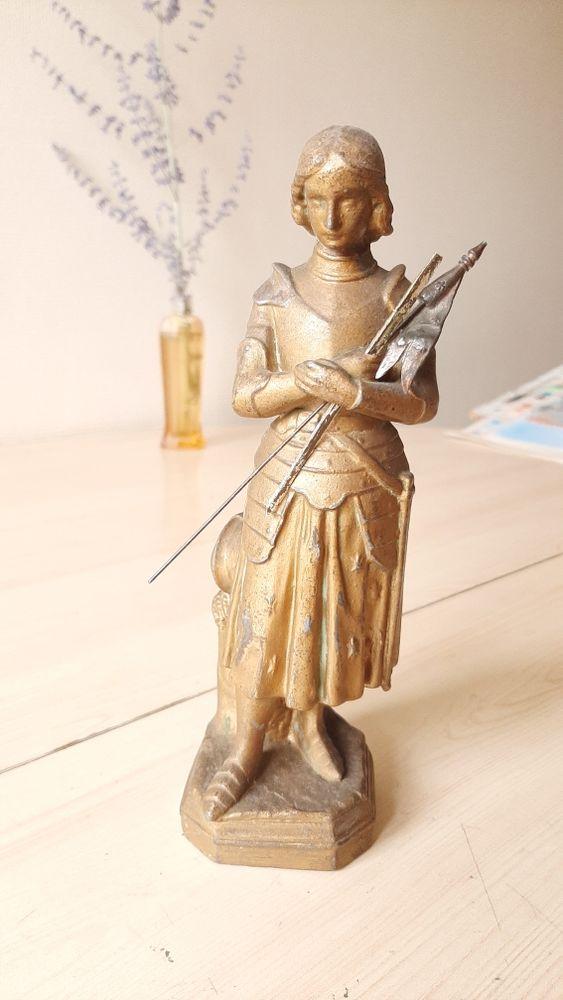 statuette Jeanne d arc en regule. 60 Questembert (56)