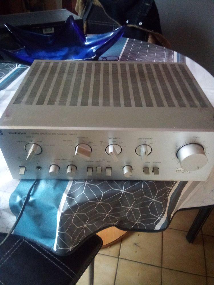Stéréo integrated DC amplifier Su-V6 100 Château-Gontier (53)