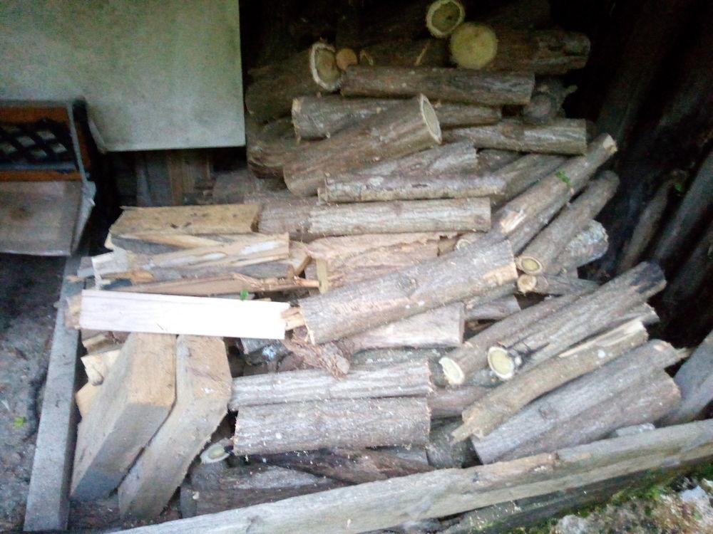 3 steres de bois sec  en 50 + 2 sacs petits bois allume feu 99 Lavelanet (09)