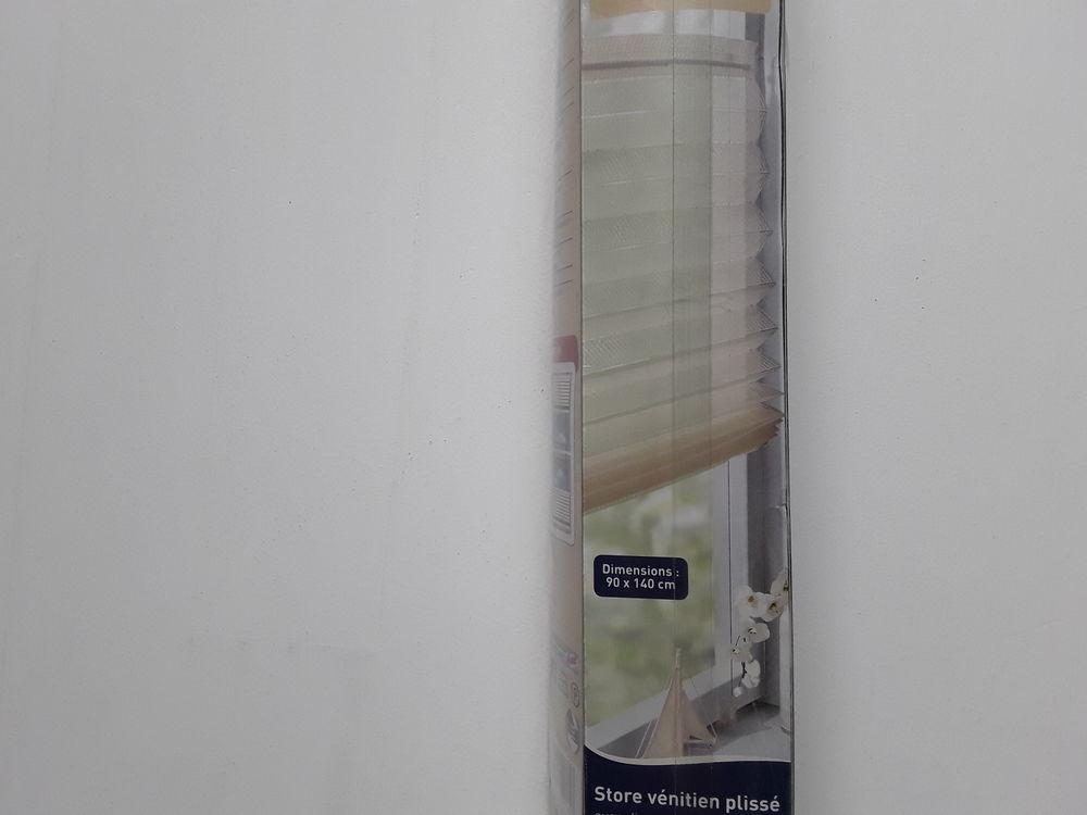 Store vénitien plissé 90x140 écru  neuf  15 Le Coudray (28)