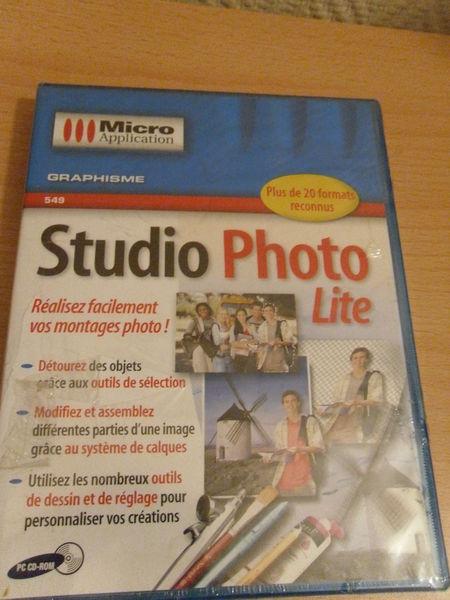 PC CD- ROM : Studio Photo Life, Neuf 12 Neuville-de-Poitou (86)