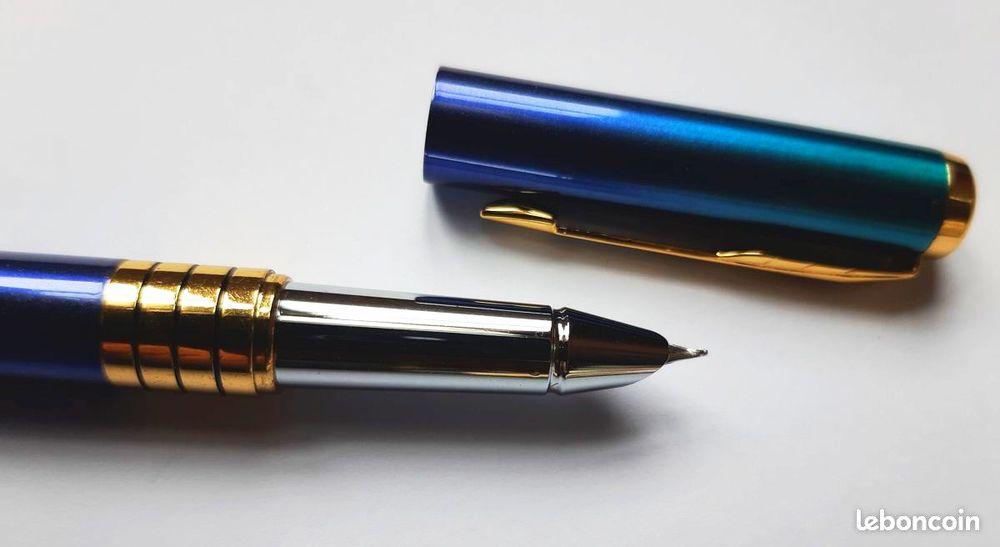 Stylo à plume de couleur dégradé de bleu acier  17 La Seyne-sur-Mer (83)