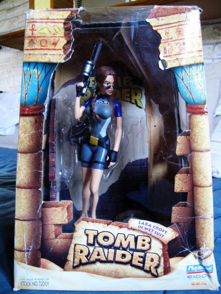 Wet suit Diorama Tomb Raider Lara Croft Ref 72001 95 Toulouse (31)