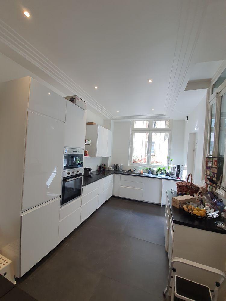 Superbe cuisine équipée quasi neuve blanc laqué  5000 Paris (75)