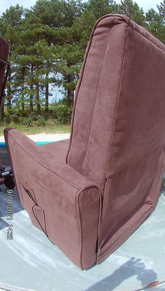 superbe fauteuil électrique 350 Frégimont (47)