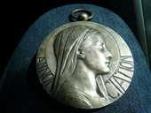 Superbe médaille Annonciation Avemaria  36 Bordeaux (33)