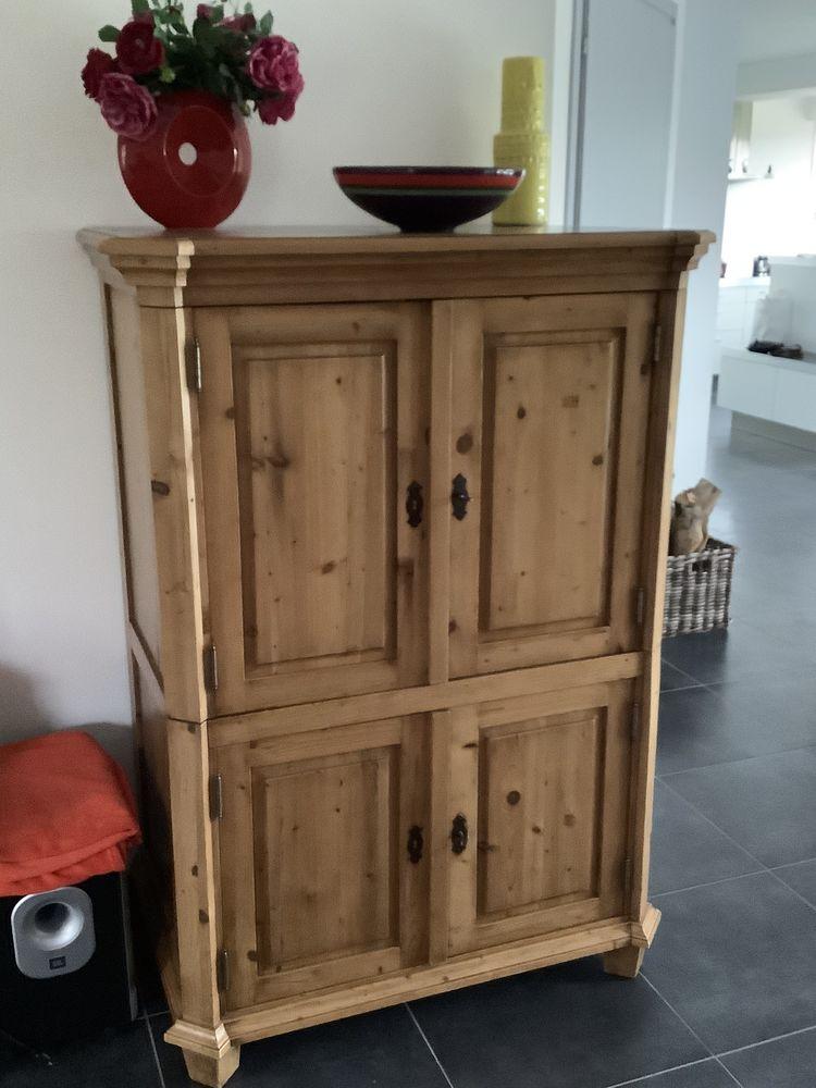 Superbe meuble en pin 110 Saint-Jans-Cappel (59)